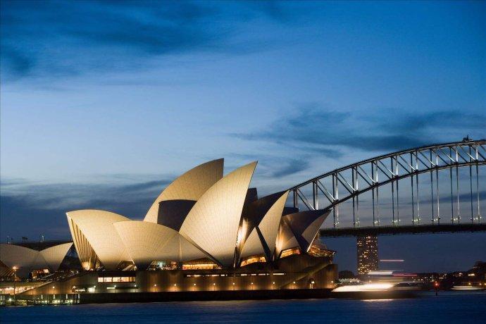 澳洲188A创业移民转888永居的条件 寰宇移民为你详细解答