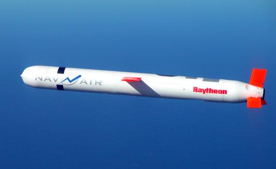 精确制导的巡航导弹是未来战争武器的代表之一.png